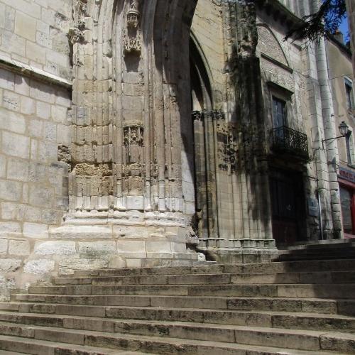 Portail ogival de l'église Notre-Dame