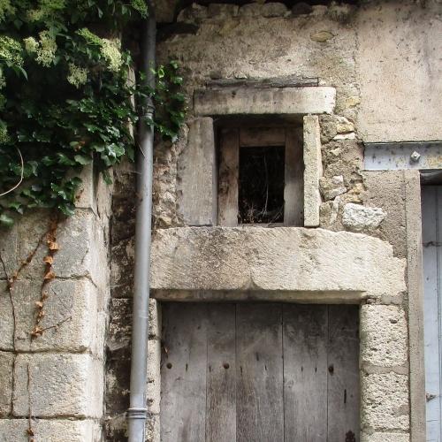 Linteau en accolade rue Basse de Loire