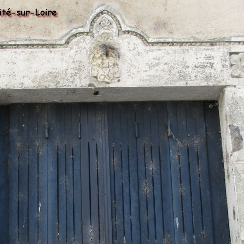 Linteau 19e siècle rue du Pont